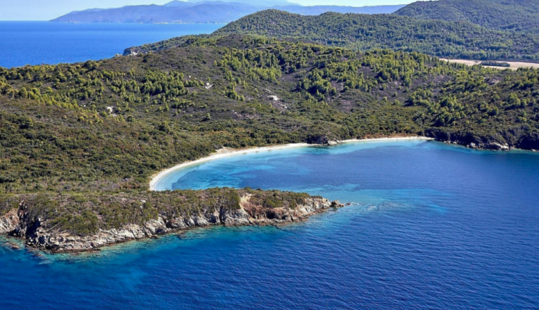 Κρουαζιέρα στη Χαλκιδική από Ουρανούπολη και Όρμο Παναγιάς για Άγιο Όρος, Αμμουλιανή και Βουρβουρού http://www.halkidikicruises.gr
