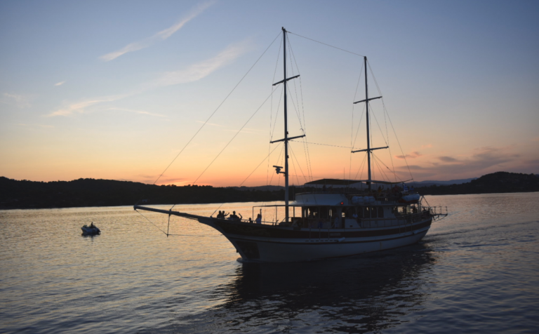 Most prestigious boat for an unforgettable cruise in Halkidiki