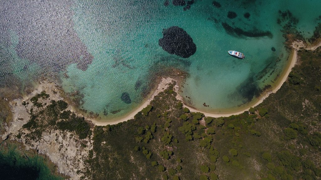 Diaporos island